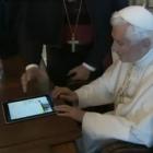 Папа Римський надіслав свій перший твіт з iPad (відео)