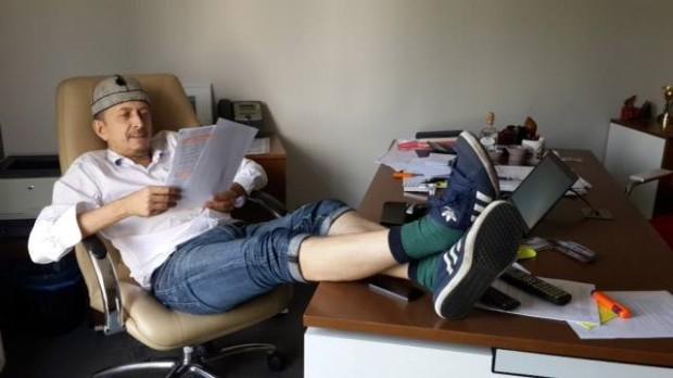 На телеканалі Інтері заборонили ходити на роботу в шортах, колеги з 1+1 тролять їх в соцмережах (оновлено)