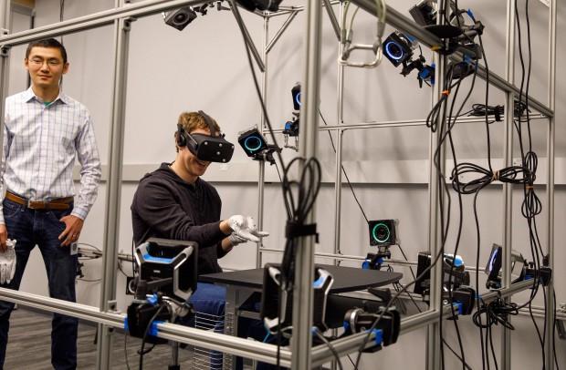 Цукерберг показав лабораторію Oculus Research, яка розробляє технології віртуальної реальності