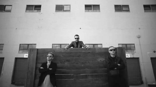 Depeche Mode запропонував фанам вести Facebook сторінку гурту