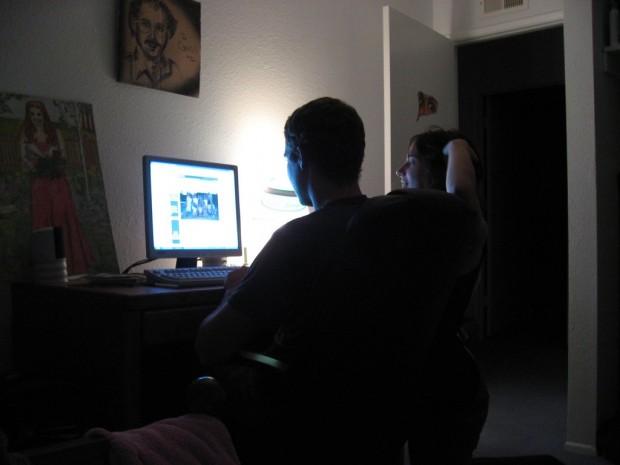 Спецслужби арештували 97 хакерів, які приховано стежили за людьми через веб камери