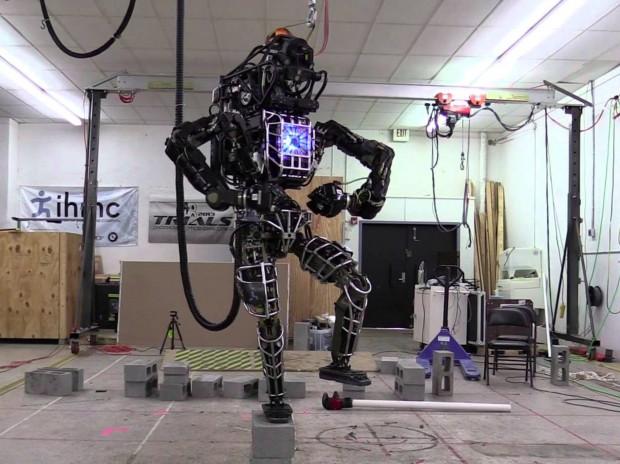 Гуглівські роботи гуманоїди навчились ходити по нерівних поверхнях