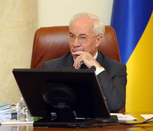 Азаров пообіцяв до кінця жовтня широкосмуговий інтернет в найглухіших українських селах