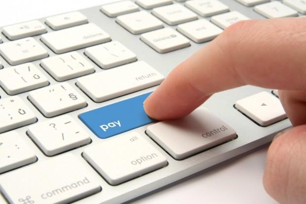 Обсяг операцій з електронними грошима в Україні у 2015 році зріс в 2,3 рази