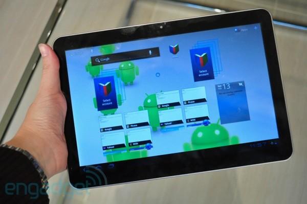Samsung презентувала планшет Galaxy Tab II та смартфон Galaxy S II
