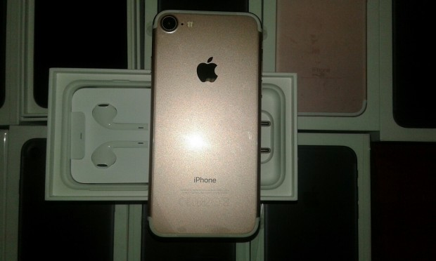 Державна фіскальна служба: Наявні в Україні iPhone 7 завезені нелегально