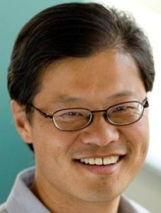 Засновник компанії Джері Янг завдав акціонерам шкоди на $30 млрд. Yahoo шукає новго CEO