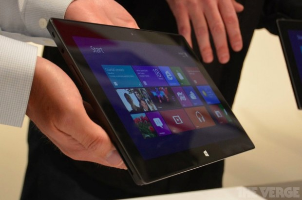 Microsoft випустила планшетний компютер Surface