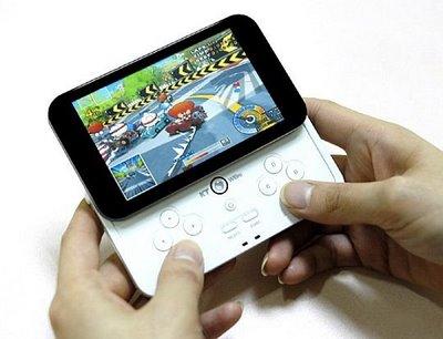 Третина власників мобільних телефонів грається в ігри