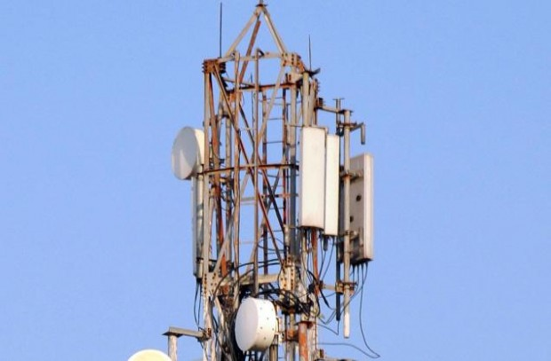 Через нестачу коштів власник Київстара може продати частину своїх мобільних вишок в Україні