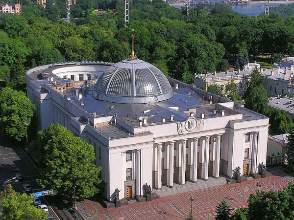 Син Януковича з групою депутатів хоче провести експеримент в ІТ галузі