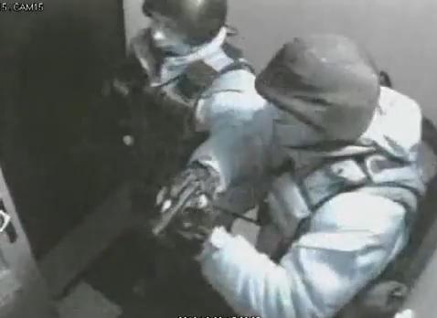 В інтернеті зявилось відео штурму офісу партії «Батьківщина»