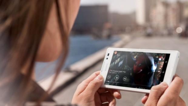 Тривалість перегляду відео на мобільних пристроях сягнула 200 годин на рік