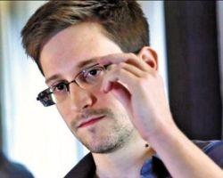 Екс співробітник спецслужб США Едвард Сноуден влаштувався на роботу в Росії