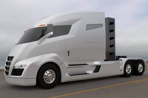 Tesla планує випускати електровантажівки та електробуси