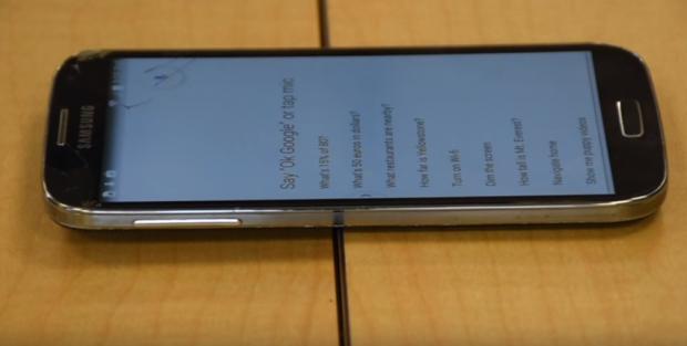 Фахівці з кібербезпеки навчились дистанційно зламувати смартфони в момент перегляду YouTube відео